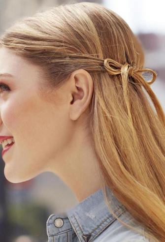 Fryzura wstążka, dla włosów półdługich