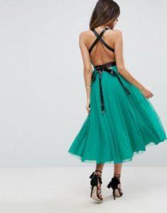 Sukienka w kolorze emeraldowym